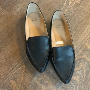 A new day flats excellent condition
